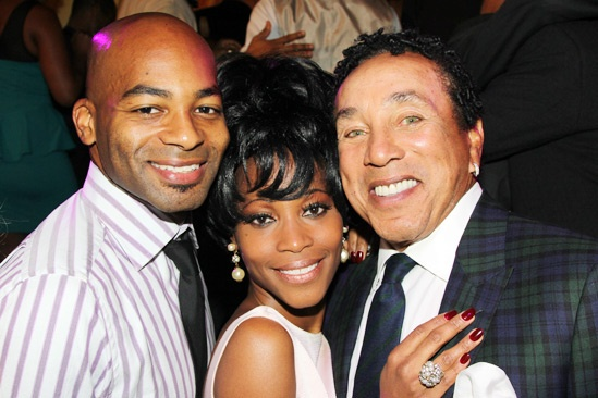 broadwaycom photo 8 of 29 see aretha franklin smokey
