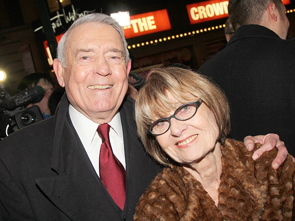 Dan Rather with kind, Wife Jean Goebel