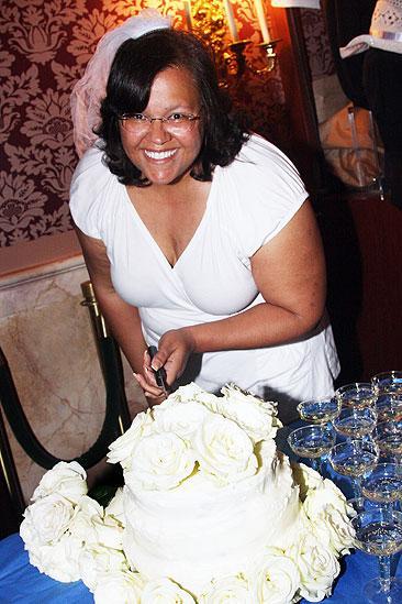 Mamma Mia 15th Longest Running Show - Lauren Hopkins Sheridan (winner with cake)