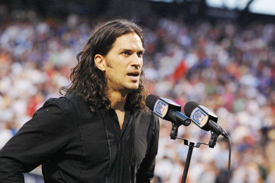 Will Swenson Sings at Mets Game - Will Swenson (singing)