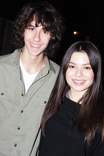 Broadway.com | Photo 2 of 8 | Nickelodeon's Miranda ...