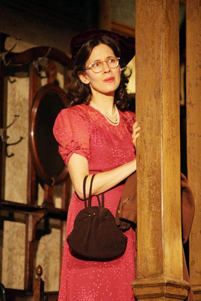 Show Photos – Brighton Beach Memoirs – Jessica Hecht