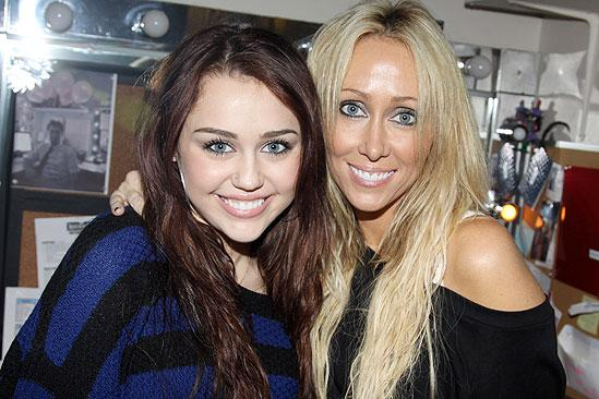 Broadway.com | Photo 1 of 7 | Pop Sensation Miley Cyrus ...