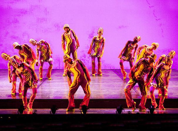 Show Photos - Cirque du Soleil's Banana Shpeel - cast 1
