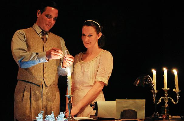 Show Photos - Glass Menagerie - Michael Mosley - Keira Keeley