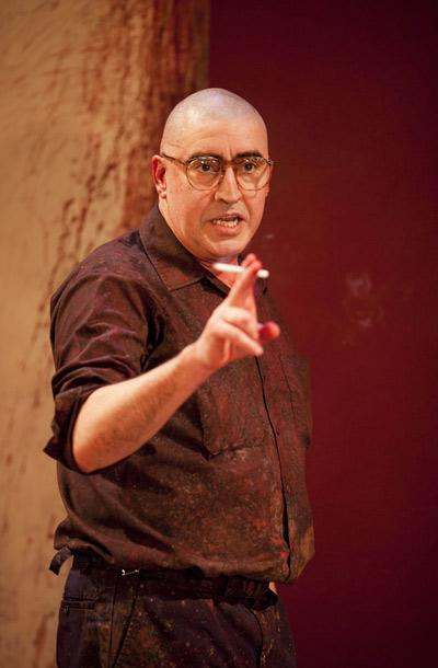 Show Photos - Red - Alfred Molina (3)
