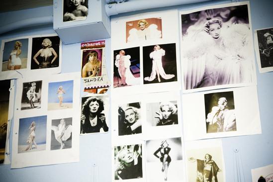 Douglas Hodge Backstage at La Cage – clippings