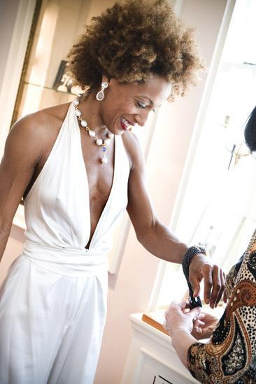 Karine Plantadit and Christiane Noll Tony shopping – Karine Plantadit (bracelets)