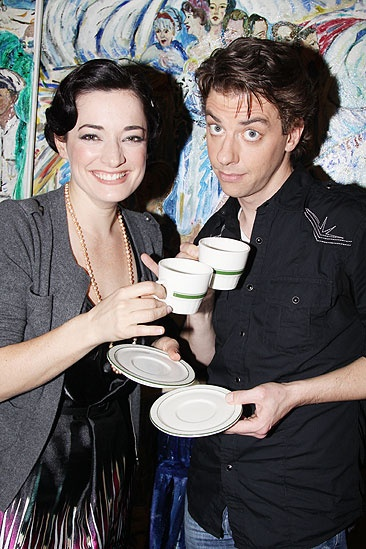 New Mary Poppins Stars 2009 at Sardi's – Laura Michelle Kelly - Christian Borle (tea2)