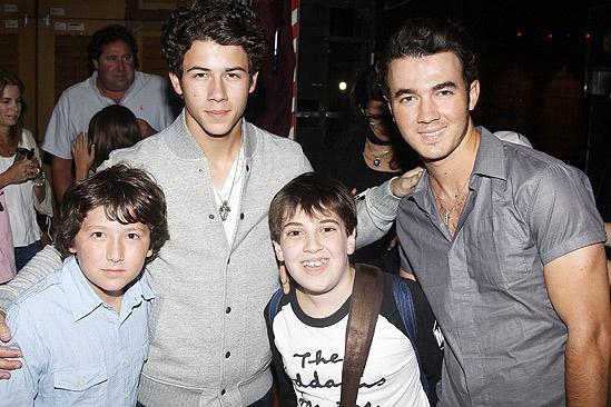 Jonas Addams – Frankie – Nick Jonas – Adam Riegler – Kevin Jonas
