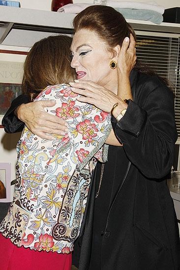 Patti LuPone at Master Class – Patti LuPone – Tyne Daly (hug)