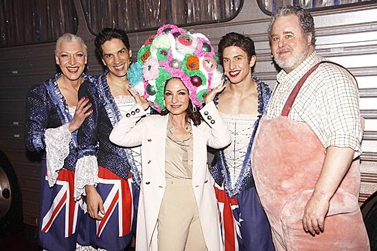 Gloria Estefan at Priscilla – Gloria Estefan – Tony Sheldon – Will Swenson – Nick Adams – Adam LeFevre (hat)