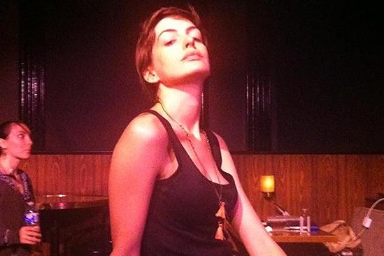 Anne Hathaway Cabaret Concert – Anne Hathaway