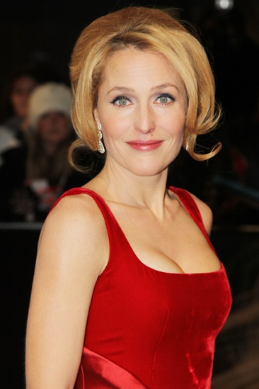 Les Miserables London premiere – Gillian Anderson