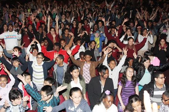 Matthew Morrison at Annie – kids dancing