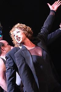 Paige Davis in Chicago - Paige Davis onstage