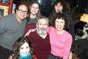 Broadway Com Photo 1 Of 1 The Devito Family Visits