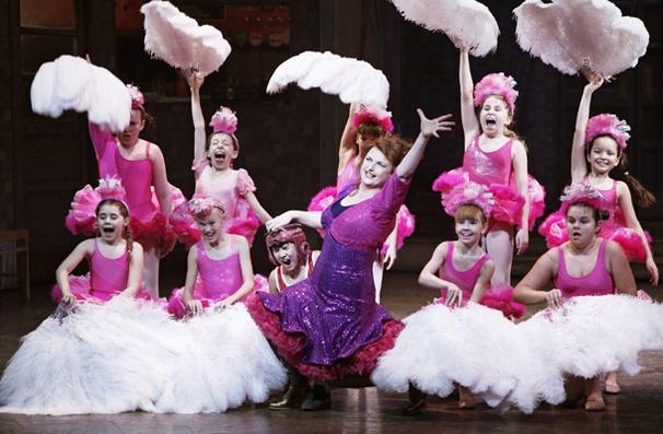 Show Photos - Billy Elliot - Kate Hennig - Alex Ko - girls