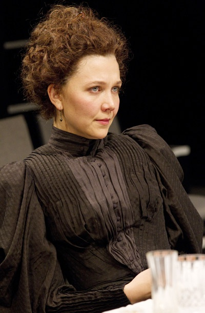 Show Photos - Three Sisters - Maggie Gyllenhaal