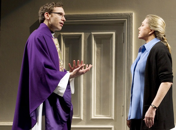 Show Photos - High - Stephen Kunken - Kathleen Turner