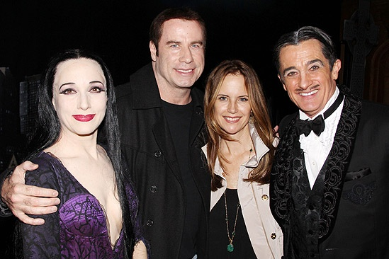 Travolta Addams - Bebe Neuwirth - John Travolta - Kelly Preston - Roger Rees