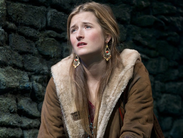 Show Photos - The Columnist - Grace Gummer