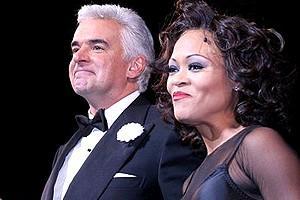 Chicago New Stars Givens O'Hurley - cc - John O'Hurley - Robin Givens