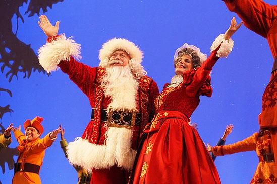 Elf opens – George Wendt – Mrs. Claus