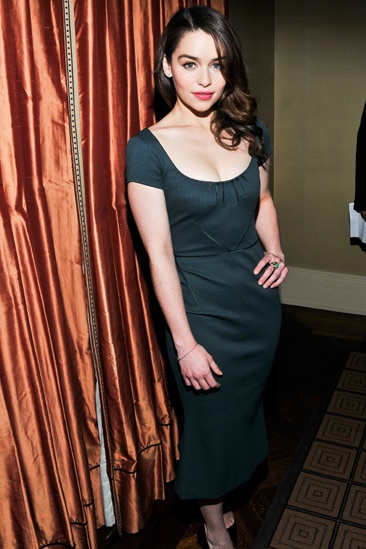 Broadway photo 1 of 17 emilia clarke and the cast of breakfast at tiffanys meet and greet emilia clarke m4hsunfo