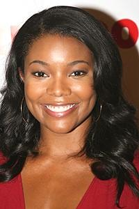 Photo Op - Usher opens in Chicago -  Gabrielle Union