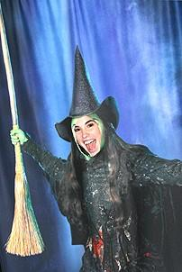 Photo Op - Wicked Day 2006 - Elphaba gets a new face