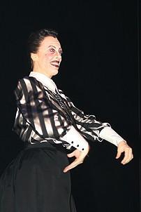 Photo Op - Mary Poppins Opening - cc - Ruth Gottschall