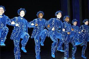 Photo Op - Mary Poppins Opening - cc - chorus 1
