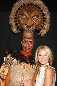 Photo Op - Kelly Ripa at Lion King - Kelly Ripa - Nathaniel Stampley