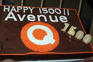 Photo Op - Avenue Q plays 1,500 performance - cake