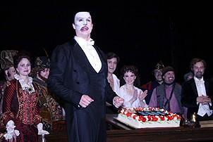 Photo Op - Phantom 8,000th Performance - cc - Howard McGillin (with cake)