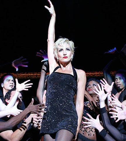 Chicago - Show Photo - Amra-Faye Wright - (dancer with jazz hands)