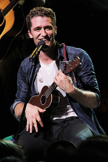 Matthew Morrison Beacon Theatre Concert – Matthew Morrison (ukulele)