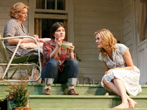 Show Photos - Picnic - Ellen Burstyn, Madeleine Martin and Maggie Grace