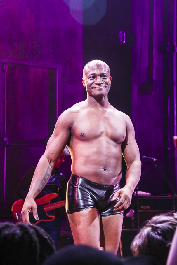 Taye Diggs gives 'Hedwig' a makeover - USA TODAY