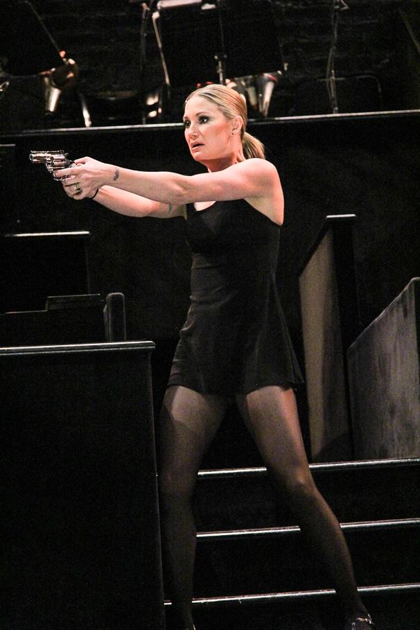 Chicago - Preview - 1/15 - Jennifer Nettles