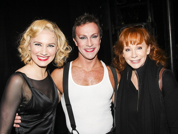 Chicago - Backstage - 3/15 - Jennifer Nettles - R. Lowe - Reba McEntire