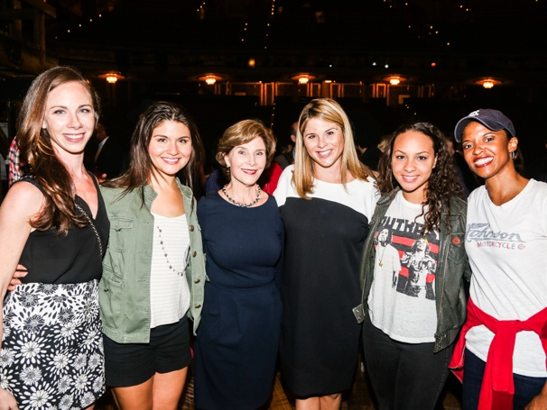 Hamilton - Backstage - 9/15 - Barbara Bush, Phillipa Soo, Laura Bush, Jenna Bush, Jasmine Cephas Jones and Renee Elise Goldsberry