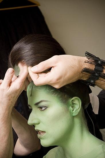 Nicole Parker Backstage at Wicked – wig2