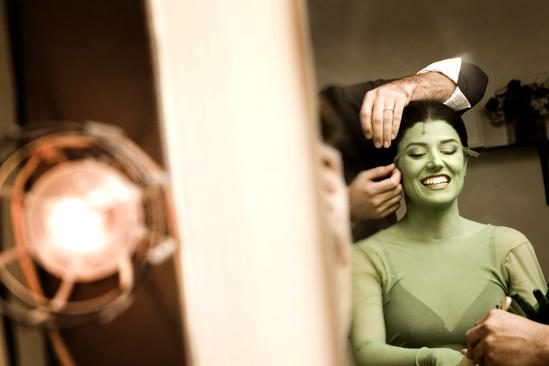 Nicole Parker Backstage at Wicked – wig3