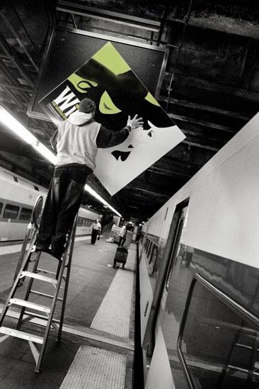 Wicked Grand Central – putting up a sign2