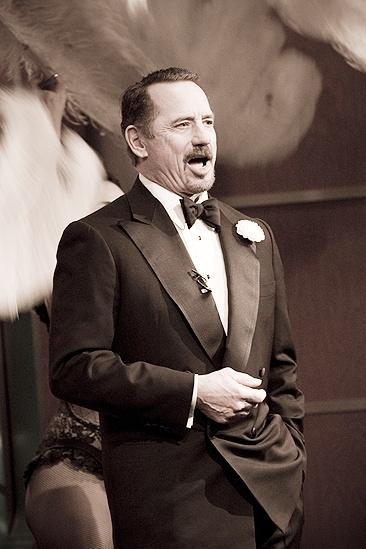 Tom Wopat at Fox 5 –Tom singing