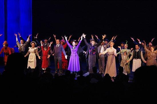 Kathie Lee Gifford and Hoda Kotb Moonlight at Mary Poppins – Cast