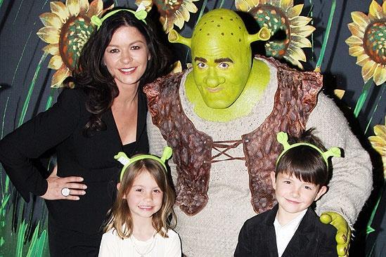Catherine Zeta-Jones at Shrek the Musical – Catherine Zeta-Jones – Brian d'Arcy James – Carys – Dylan