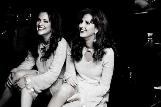 Girls in Jersey Boys – Bridget and Heather wait